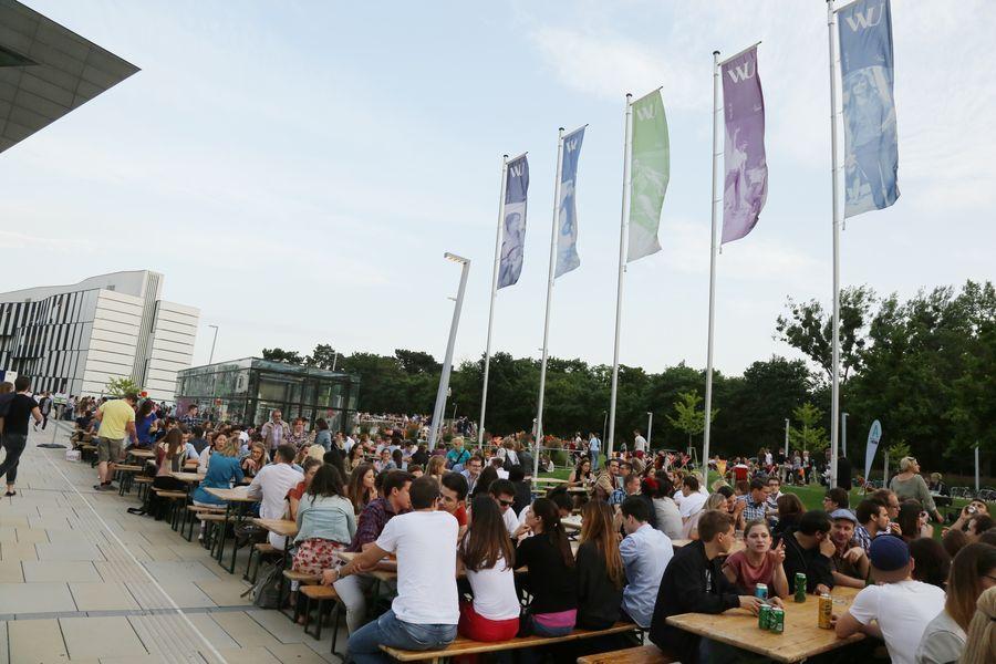 WU Sommerfest Sitzplätze